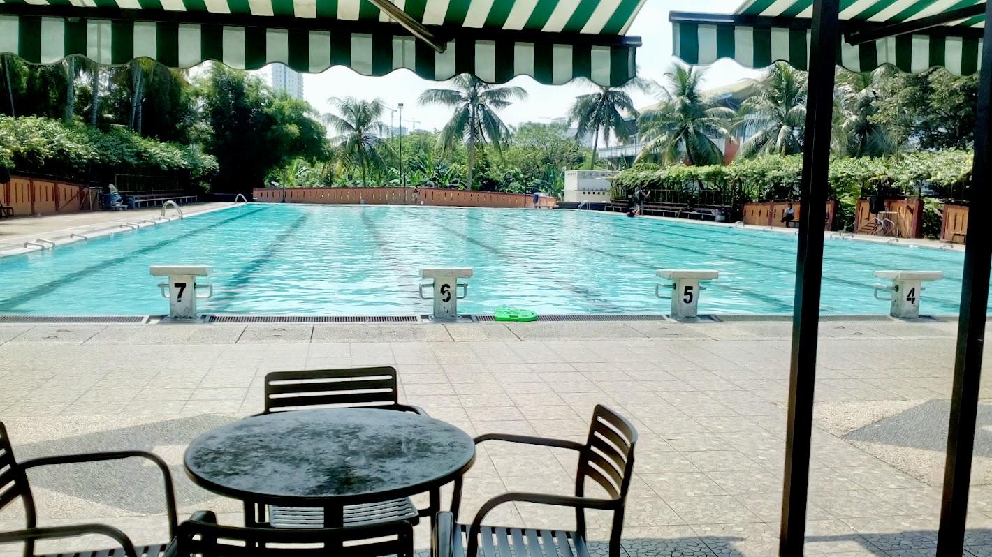Kolam olympic di kolam renang Hotel Bumi Wiyata Depok