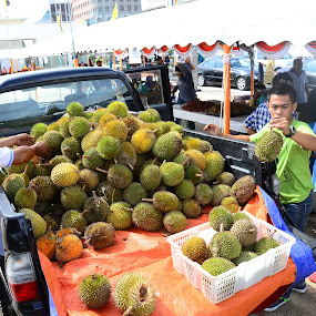 Fruit known as 'Durian  by Mohd Nazeerul - Artistic Objects Other Objects ( fruit, tasty, putih, kuning, yummy, durian, pulu, duian )