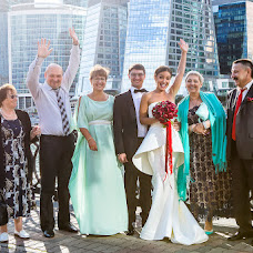 Wedding photographer Svetlana Kondratovich (KONSUELLO). Photo of 19.04.2017