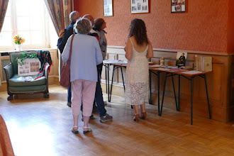 """Photo: Les Écrits des voyages en RUSSIE"""" dans le Salon Delphine de CUSTINE"""