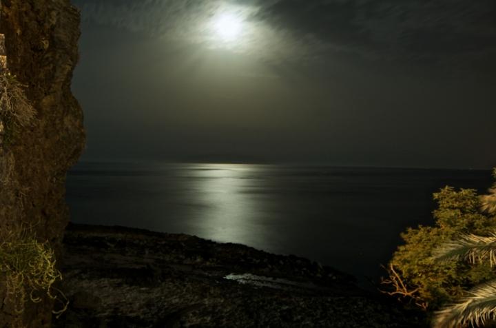 Riflessi di luna sul mare di Willy83