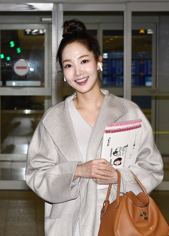 190215_Park_Min_Young_-_Incheon_airport-1