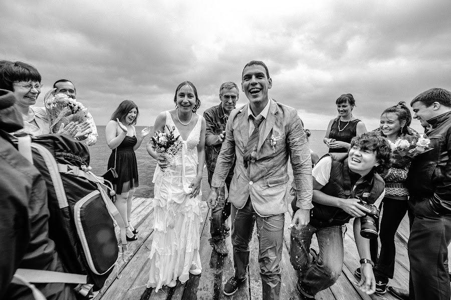 Wedding photographer Denis Alena (ideapix). Photo of 24.06.2014