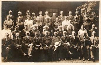 Photo: 1924 Foto gemaakt ter gelegenheid van het 25 jarig bestaan van het Diocesaan Molenaarsgilde St Victor van de Hanze in Bisdom Breda op 18 juni
