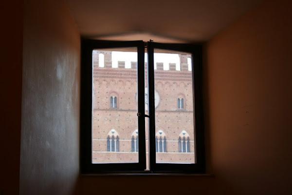La finestra di Laura