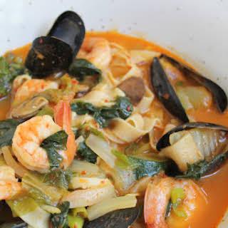 Jjamppong (Spicy Seafood Noodle Soup).
