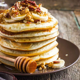 Whole Wheat Pancake Recipe with Banana, Honey and Nuts