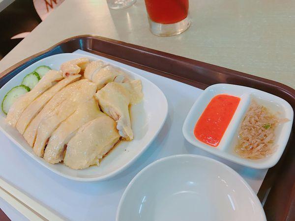 台南港式料理,海南雞和煲飯招牌必點 ,隱藏版港式餐館,In's 飲食坊,台南餐廳,台南港點。