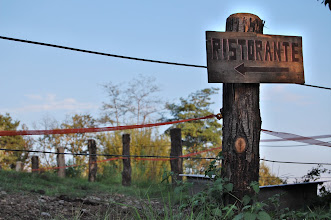 Photo: country restaurant sign