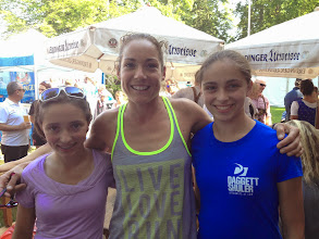 Photo: The girls with defending champ Rebekah Keat