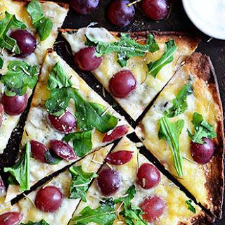 Grilled Grape Brie and Arugula Flatbread Pizza.