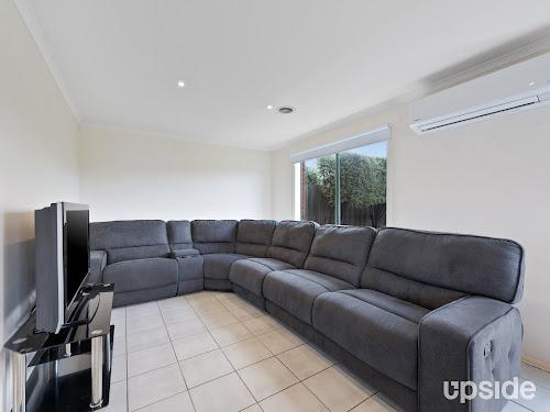 Photo of property at 30 Oakman Way, Hampton Park 3976