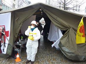 Photo: Dr. Elke Schrage in schwerer Ausrüstung