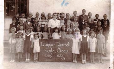 Photo: 1950/51, 1.o. , Csicsói Magyar Tannyelvű Alapiskola