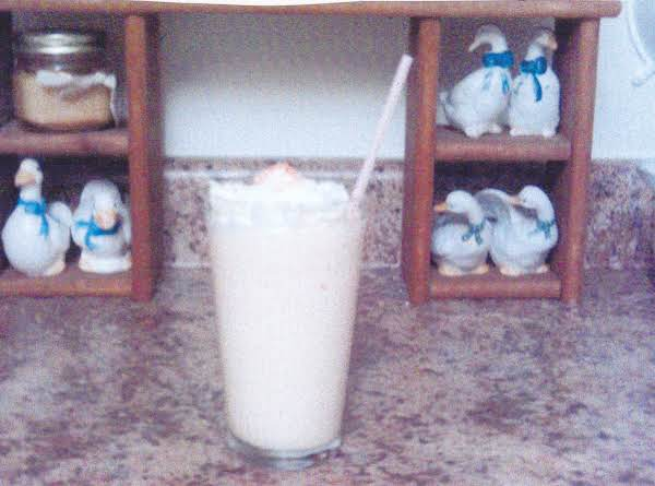 Grace's Peaches-n-cream Milk Shake