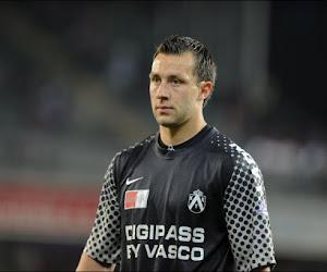 """Ex-doelman Charleroi en KV Kortrijk al meer dan een jaar werkloos: """"Ik wil gewoon het spelplezier terugvinden"""""""
