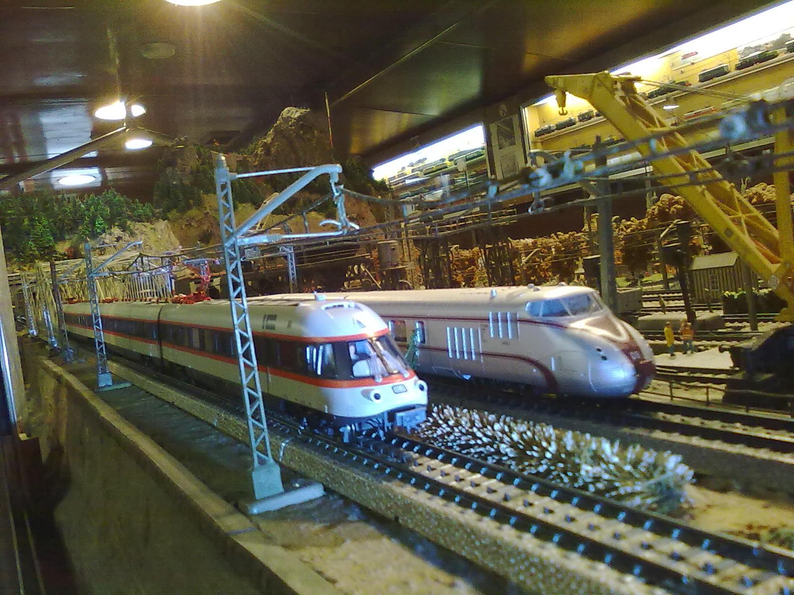 Photo: Mit einigen Anpassungen läuft der Insider Triebzug störungsfrei auf dem Metall Gleis.Alles bereit für den großen Auftritt in Göppingen!