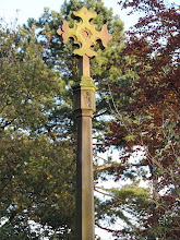 Photo: 1982 replacement cross in good condition
