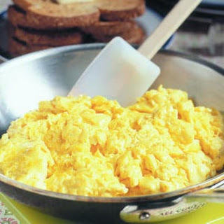 CREAM CHEESE SCRAMBLED EGGS