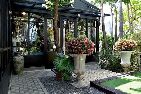 高雄 置身異國花園裡的玻璃屋#Q Garden 季節義法料理 / 莊園手工咖啡 / 進口傢俱傢飾#最美的歐洲家具咖啡