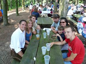Photo: Links in Lederhose: Unser Chef Chris (ist jedes Jahr am Oktoberfest) Rechts: Unser Arbeitskollege Florian mit Family (Arbeitet normalerweise in Reutte)