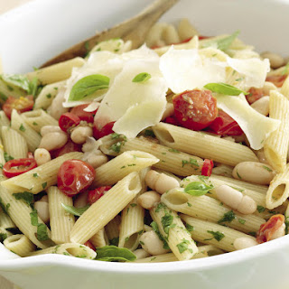Pasta with Tomatoes and White Beans