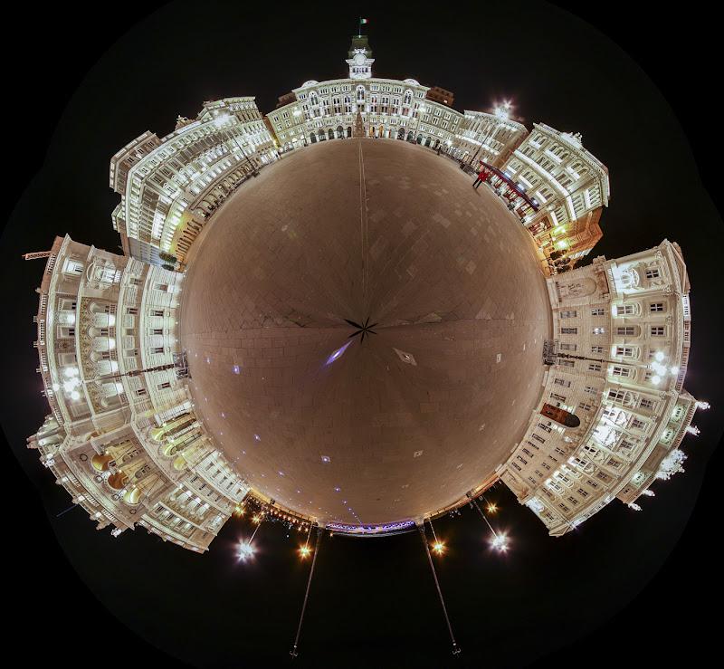 Piazza unità d'Italia di notte di daniele1357