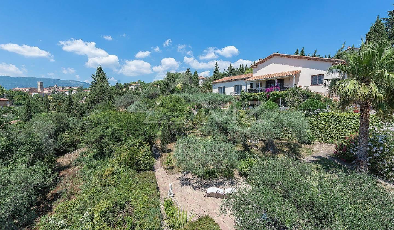 Villa avec piscine et jardin Tourrettes
