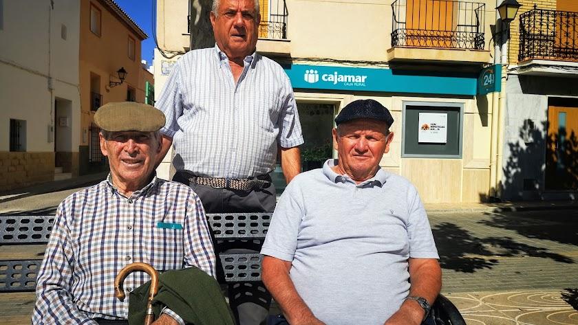 Los jubilados Antonio, José y Leandro, en María.