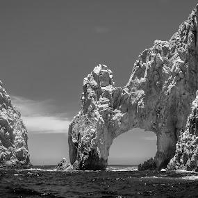 El Arco by Brent Huntley - Landscapes Caves & Formations ( brentsfavoritephotos.blogspot.com, arch, black and white, cabo, mexico, boat tour, pacific, ocean, travel, seascape, landscape, el arco, tamron, photography, san lucas, coast, baja california, nikon )