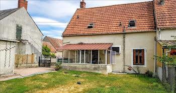 maison à Saint-Loup-des-Chaumes (18)
