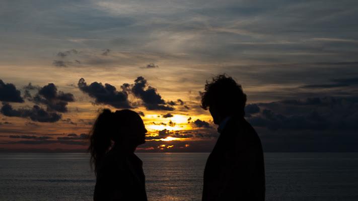 guardandosi al tramonto di paola_cattini