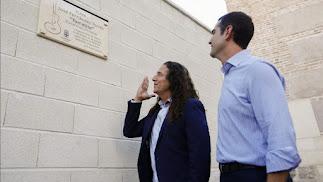 Tomatito junto a Ramón Fernández-Pacheco inaugurando su plaza