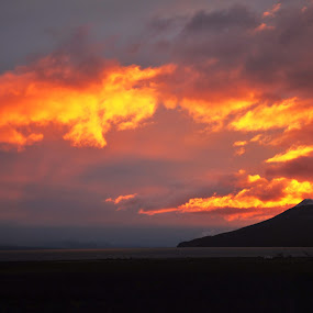 Sky of fire by My 1st Impressions - Landscapes Weather ( argentina, patagonia, sunset, tierra del fuego )