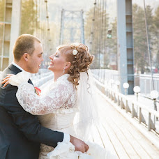 Wedding photographer Viktoriya Rendom-Savinkova (VickyRandom). Photo of 23.04.2013