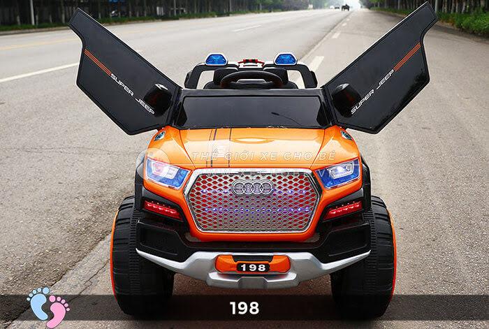 Siêu xe ô tô điện 4 động cơ 198 3