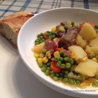 Carne Guisada/ Portuguese Beef Stew.