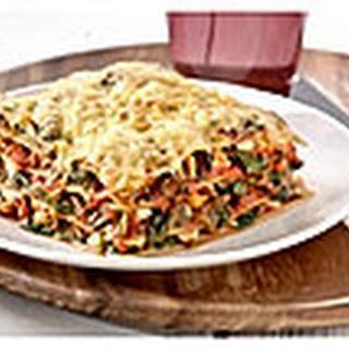 Groene Lasagne Met Pikante Pastasaus, Spinazie En Mozzarella