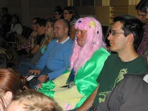 Photo: Další kráska v publiku