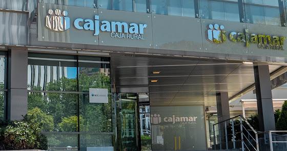 Cajamar continúa con su expansión e invierte 4,5 millones en su sede en Sevilla