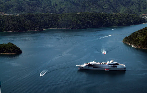 Ponant-New-Zealand-Picton4.jpg - Enjoy the beauty of New Zealand on a Ponant luxury cruise.