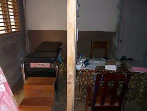 Photo: la pièce de consultation et le bureau