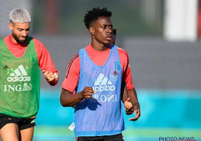 Sambi Lokonga maakt eerste minuten in Arsenal-shirt