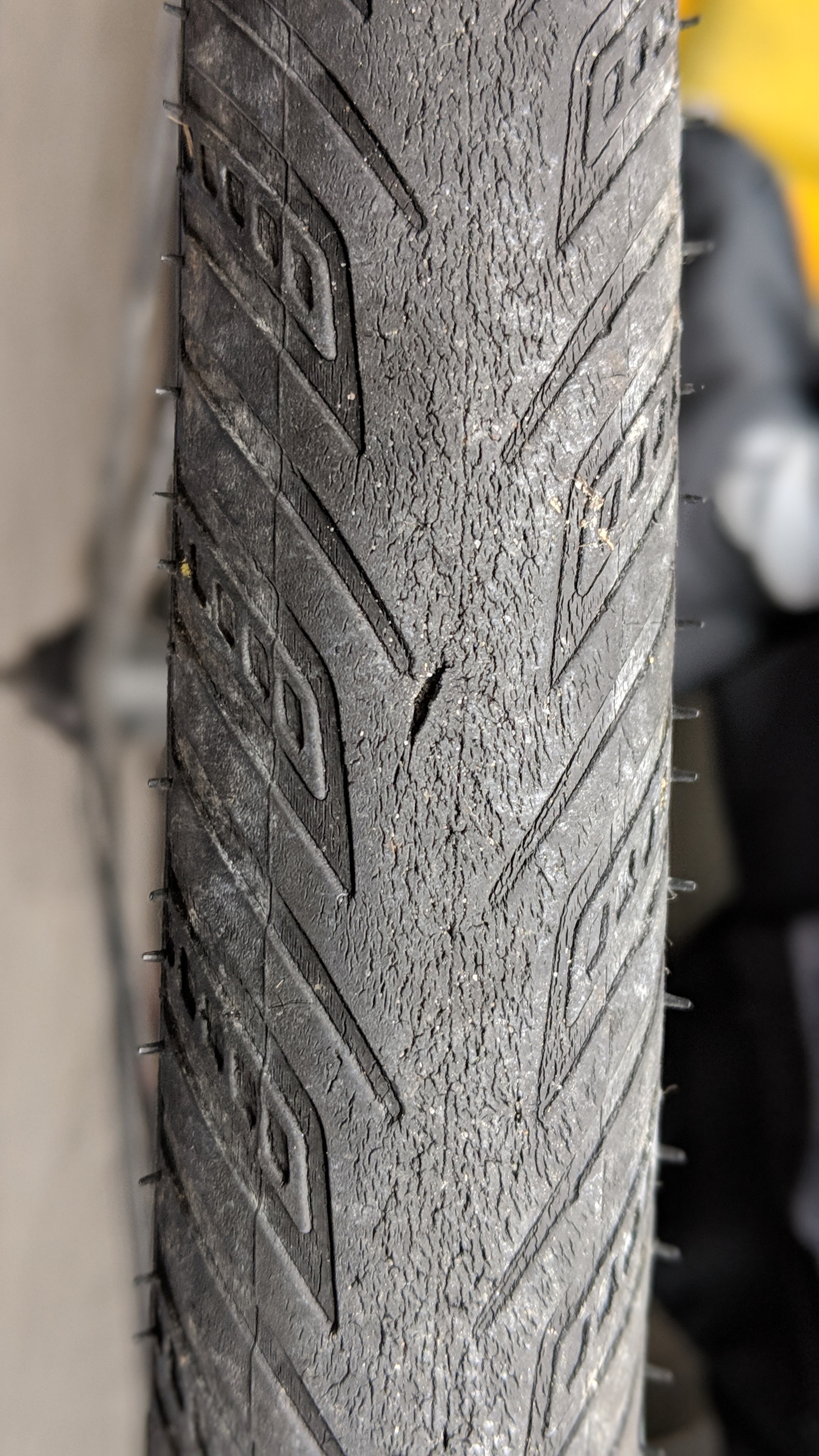 Dry rotting tire