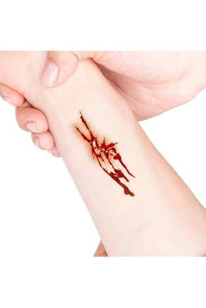 Tatuering sår, rivsår