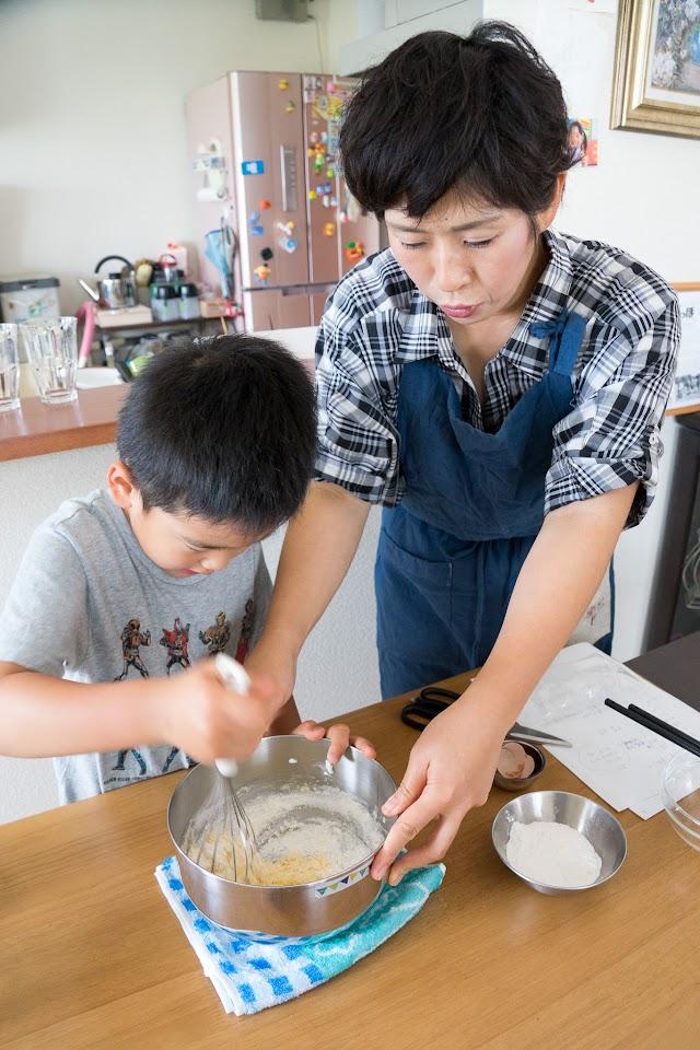 黒千石のもっちりパンケーキ:その他の材料を入れる