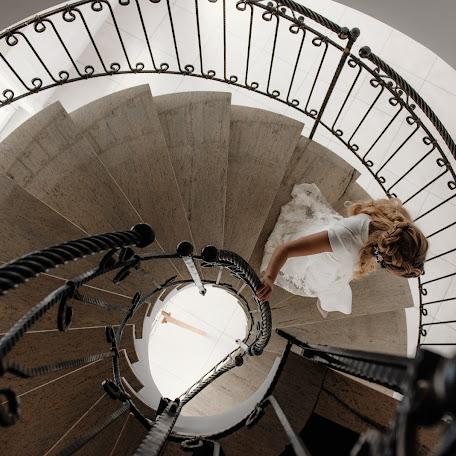 Wedding photographer Damian Dombrowski (damiandombrowsk). Photo of 17.08.2017