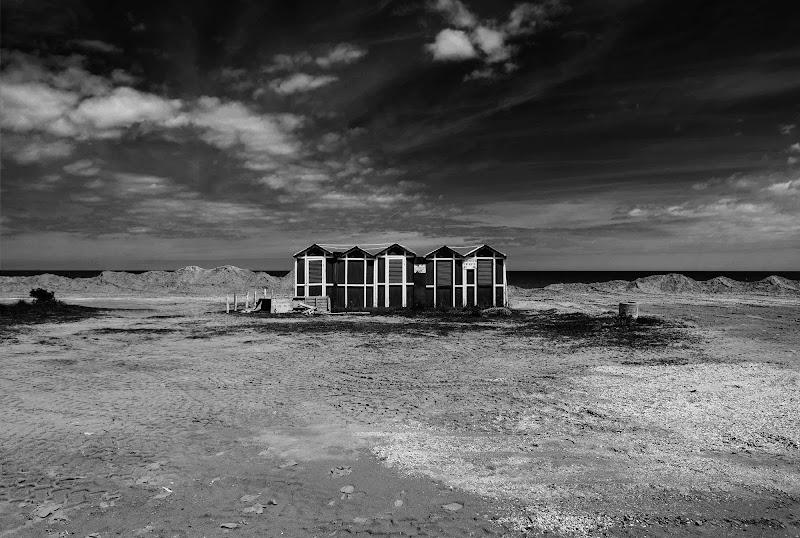 Spiaggia abbandonata  di Aldo Rizzardi
