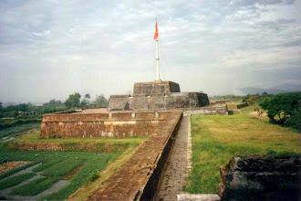 Photo: cột cờ Phu Văn Lâu - rear view