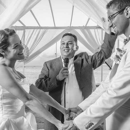 Wedding photographer Roberth Ramírez (soyroberth). Photo of 08.08.2017